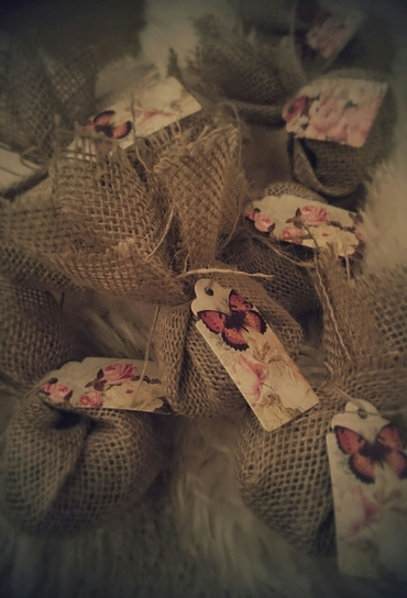 Rustic wedding favours