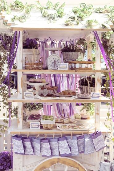 French purple photo session decor