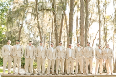 Outdoor ivory wedding photo session ideas