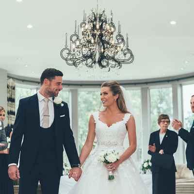 Overseas white wedding photo session ideas