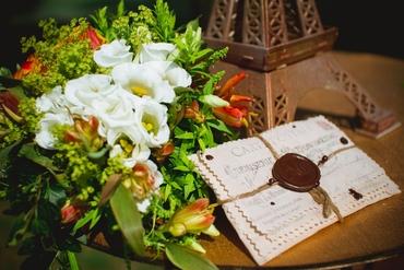 French orange wedding signs