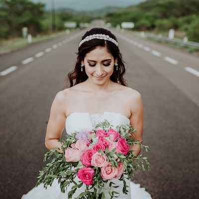 Outdoor pink rose wedding bouquet