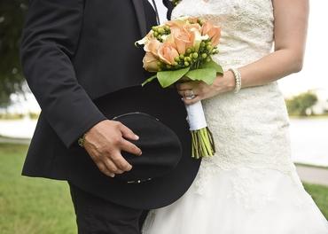 Outdoor pink rose wedding bouquet