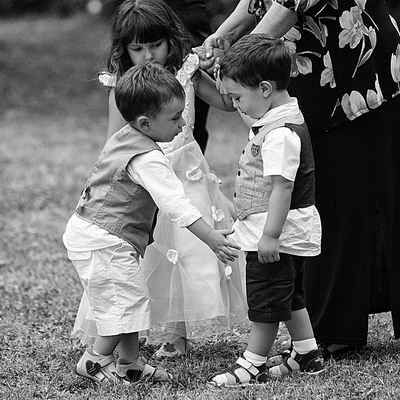 Outdoor kids at wedding
