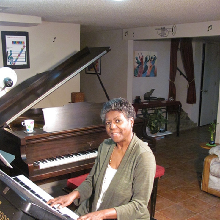classically trained and jazz pianist specializing in weddings