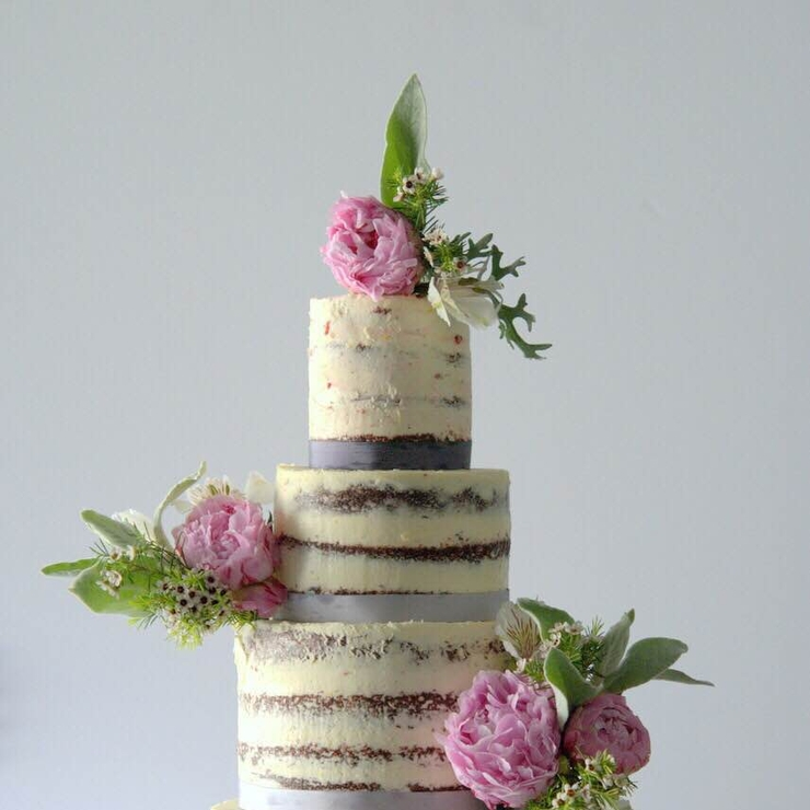 Fresh Peony Wedding Naked Cake 30/04/2016