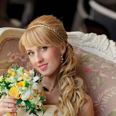 Mediterranean yellow long wedding hairstyles