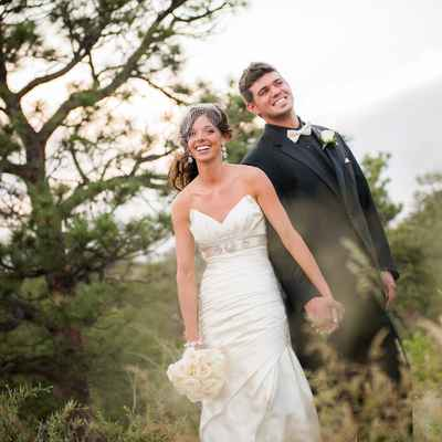 Outdoor summer white open wedding dresses