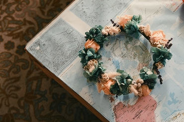 Green wedding headpieces, veils, cover-ups & brooches