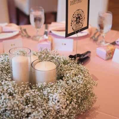White overseas wedding reception decor