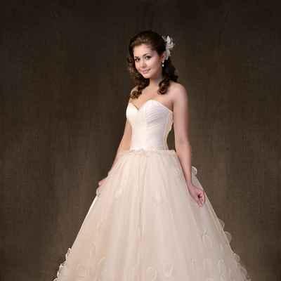 Ivory corset wedding dresses