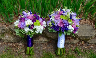 White alternative wedding bouquet