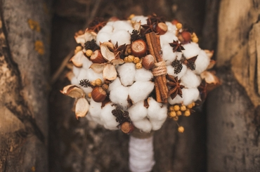 Autumn brown alternative wedding bouquet