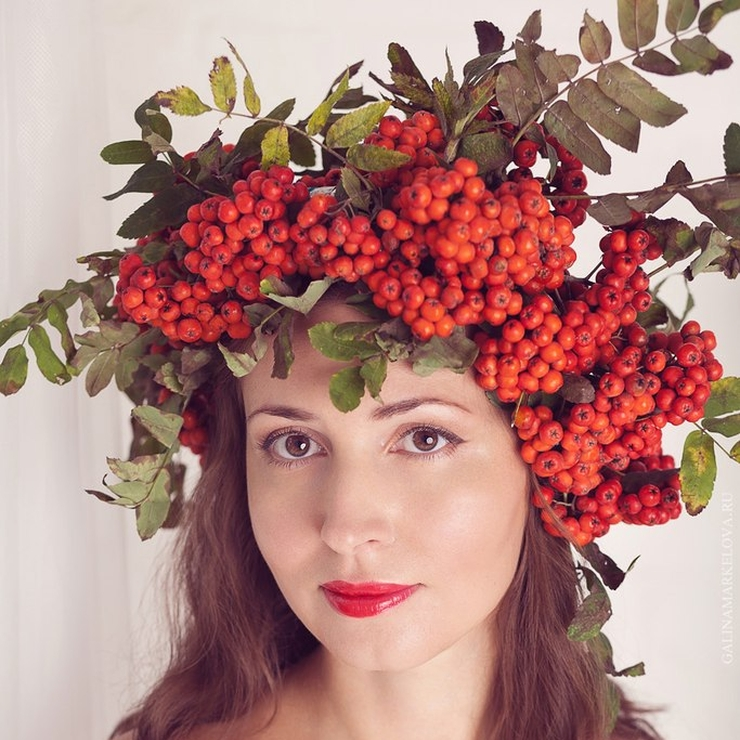 Hair and make-up Red in Summer Rustic