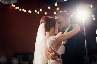 Black wedding photo session ideas