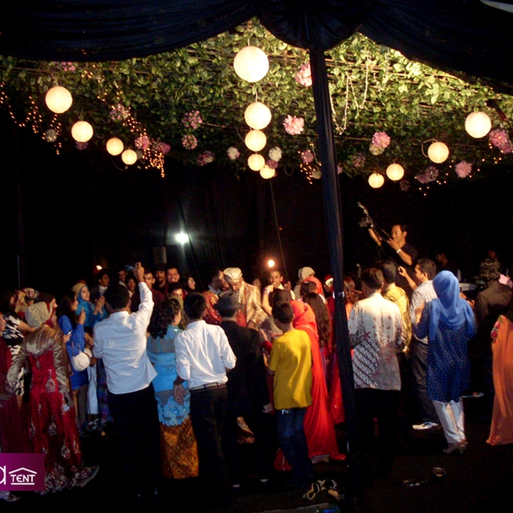 Sewa Tenda Dekorasi ( Konfensional ) Event Wedding TMII ( Taman Mini Indonesia Indah )