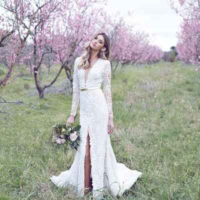 Outdoor spring white long wedding dresses