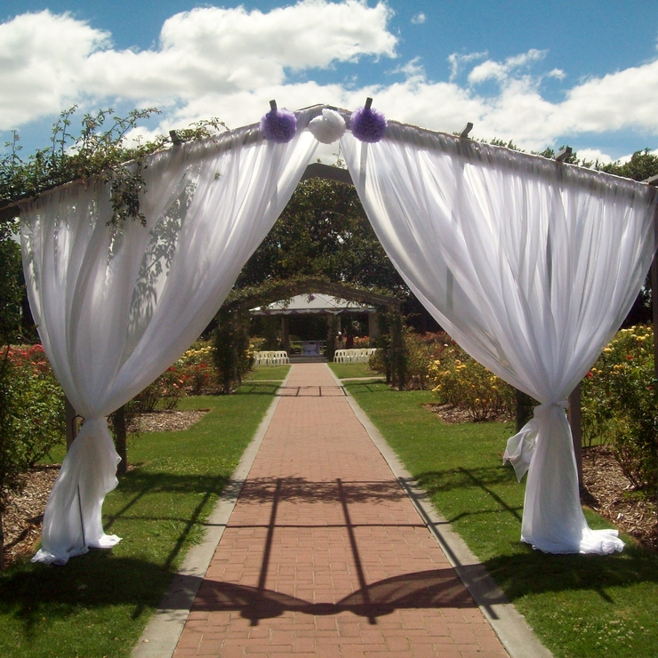 Outdoor Wedding in the Rose Gardens in Hastings