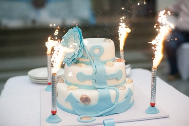 Marine blue wedding cakes