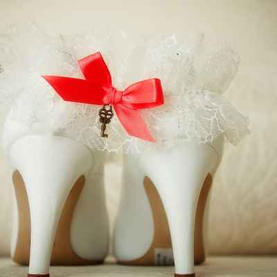 Red wedding accessories