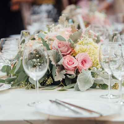 Overseas wedding floral decor