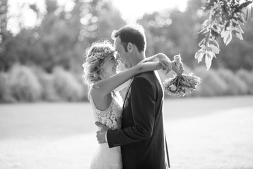 Outdoor wedding photo session ideas