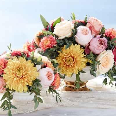 White overseas wedding floral decor