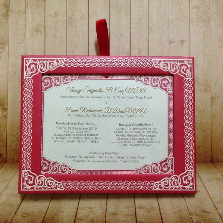 "Tonny & Dewi "" Photo Frame """