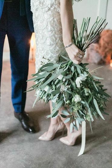 Green wedding photo session ideas