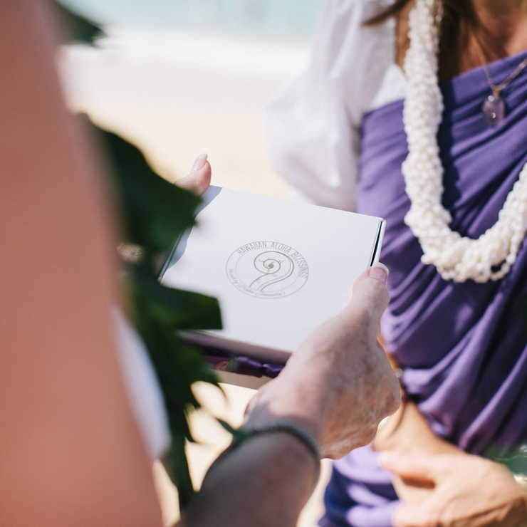 Traditional Hawaiian weddings by Kahu Pōmaikaʻi