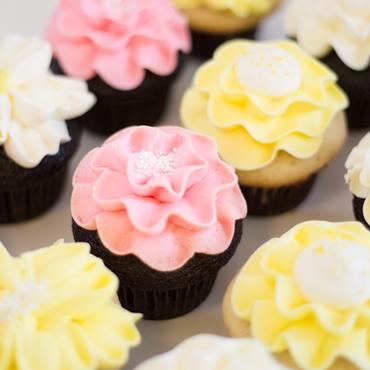 Yellow wedding cupcakes