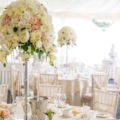 Overseas ivory wedding floral decor