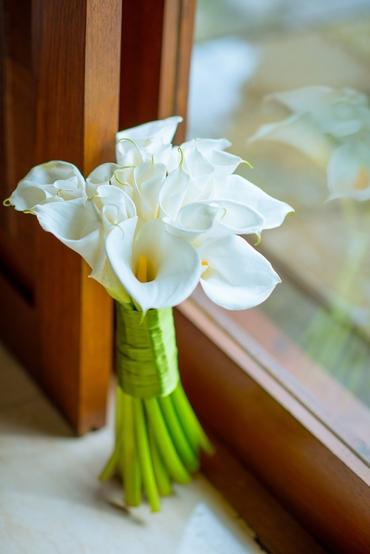 White calla wedding bouquet