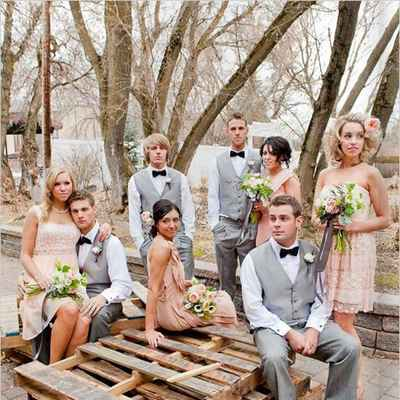 Outdoor pink wedding photo session ideas
