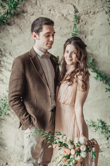 Brown overseas closed wedding dresses
