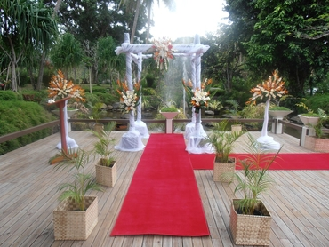 White wedding ceremony decor