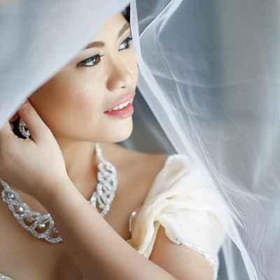 Grey wedding jewellery