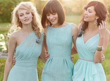 Outdoor green bridesmaids