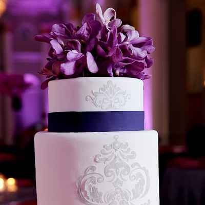 White wedding cakes