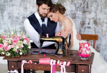 Overseas brown wedding photo session decor
