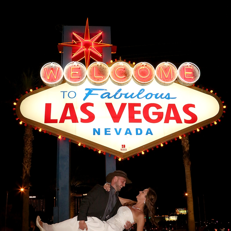 Las Vegas Sign Weddings and Vow Renewals
