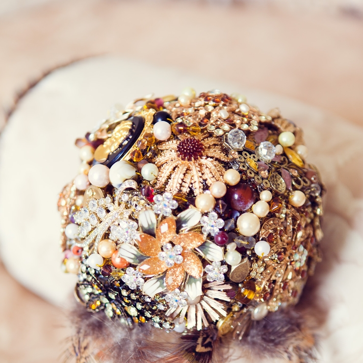 """Sahara"" by Amanda Brooch Bride"