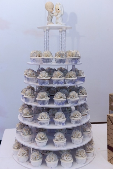 White wedding cupcakes