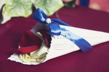 Blue wedding ceremony decor