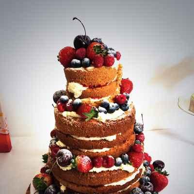 Fruit brown wedding cakes