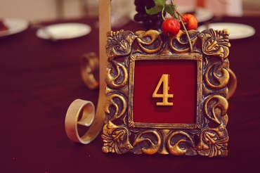 Red wedding signs