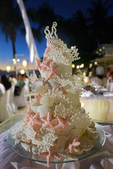 Marine ivory wedding cakes