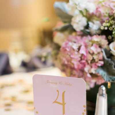 Overseas gold wedding reception decor