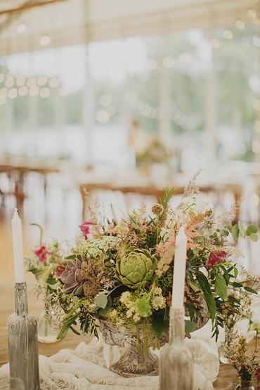 Overseas green wedding floral decor