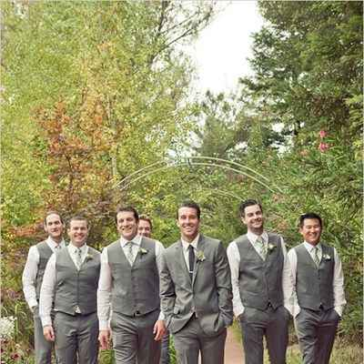 Outdoor autumn grey wedding photo session ideas